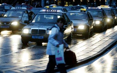 taxistandplaats, taxi, taxichauffeur