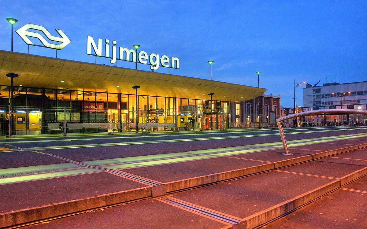 RMC verliest leerlingenvervoer  Rotterdam  ADnl