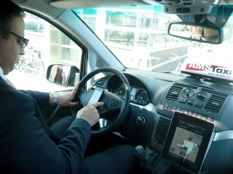 AMS Taxi, Dispatch, iPad, iPhone, taxi, taxichauffeur