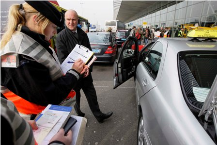 taxi, controle, politie, Marechaussee, Schiphol