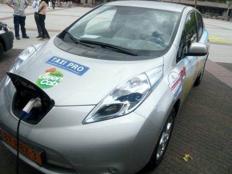 TaxiPro.nl, elektrische taxi, Nissan Leaf, Prestige GreenCab