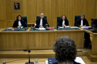 Rechtszaal, verdachte, rechter