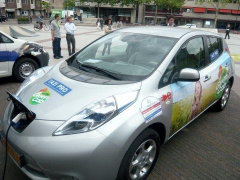 Prestige GreenCab, elektrische taxi, opladen