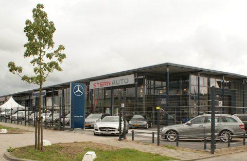 Auto Garage Almere : Stern opent vernieuwde mercedes benz vestiging almere taxipro