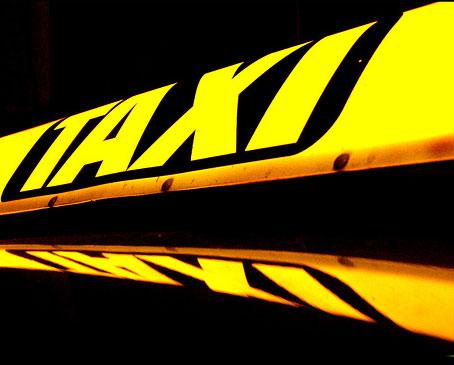 Taxi, daklicht, bord