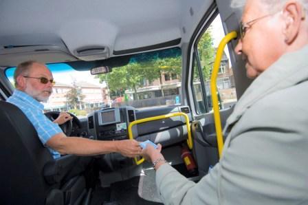 regiotaxi, taxi, taxichauffeur, passagier