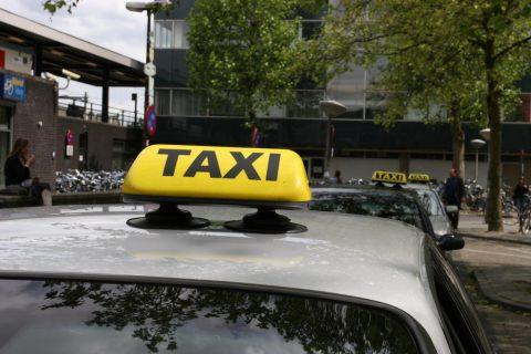 taxi, daklicht, station