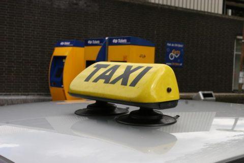 taxibord, taxi, station