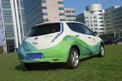 TAXI-E, elektrische taxi, Amsteram, Nissan Leaf
