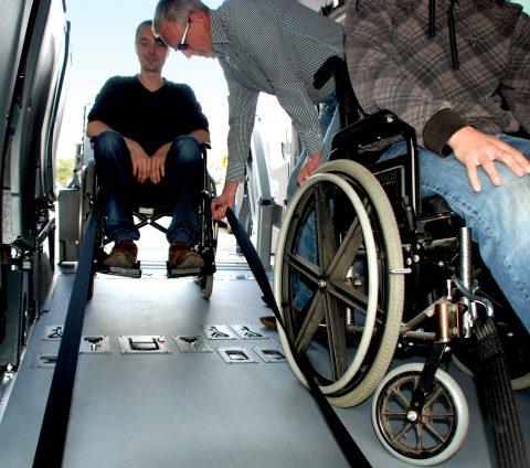 Tribus, verlengde gordel, rolstoelbus, taxi
