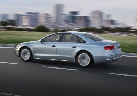 Audi A8, hybride