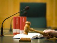 rechtbank, rechter, rechtszaal, uitspraak