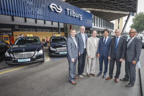Stationtaxi, Quattrotax, directie, Tilburg, taxibedrijf, voertuigen