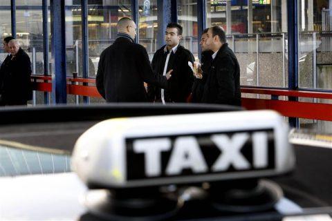 taxi, standplaats, CS Utrecht, Taxikeur