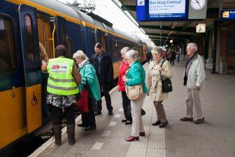 Valys, reisassistent, begeleid, trein reizien. Foto: Marcel van Manen