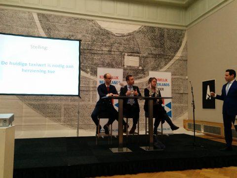 Pulchri, debat, KNV, Duco Hoogland, PvdA, Sander de Rouwe, CDA, Betty de Boer, VVD, Kamerleden, taxiwet