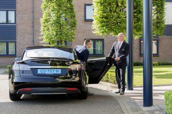 Munckhof, elektrische taxi, taxichauffeur, Tesla
