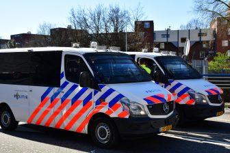 Politiebusjes Malieveld. Foto: GinoPress