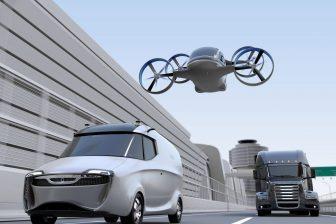Bestelbus, drone en truck. Foto: AdobeStock